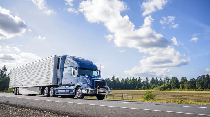 Reasons To Consider Purchasing Semi Truck Insurance
